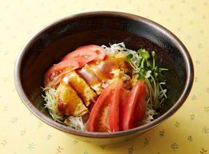 写真: チキンの彩菜丼