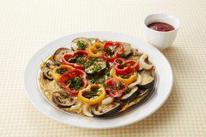 写真: 秋茄子と玉葱オープンオムレツ